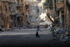 أم من معضمية الشام تواجه جوع أطفالها بالدموع