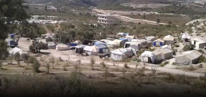 """عدة منظمات إغاثية تقدم مساعدات إنسانية في مخيمات """"خربة الجوز"""""""