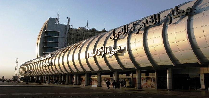 وفد من سلطة الطيران المدني التابع لنظام الأسد يصل القاهرة