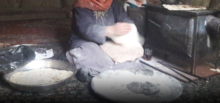 3000 ليرة سورية تكلفة إعداد كيلو الخبز في مضايا المحاصرة وظرف الخميرة ب 25 ألف!