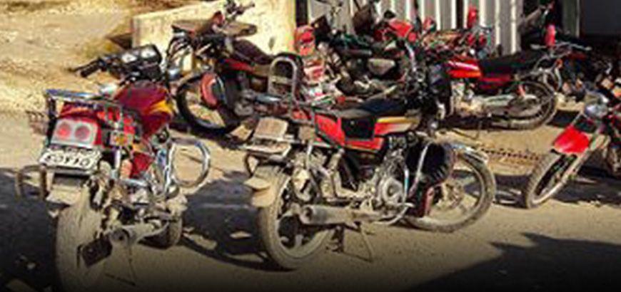 """قيادة """"صغار السن"""" للمركبات.. حوادث مرورية وغياب للجهات الرقابية في ريف حلب الغربي"""