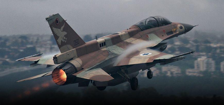 الطيران الإسرائيلي يستهدف مواقع لقوات النظام بريف القنيطرة