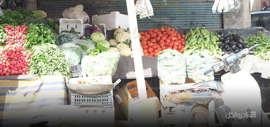 ارتفاع جنوني في أسواق إدلب رغم تراجع الهيئة الإسلامية للقضاء عن قرارها بمنع دخول المواد من مناطق سيطرة النظام