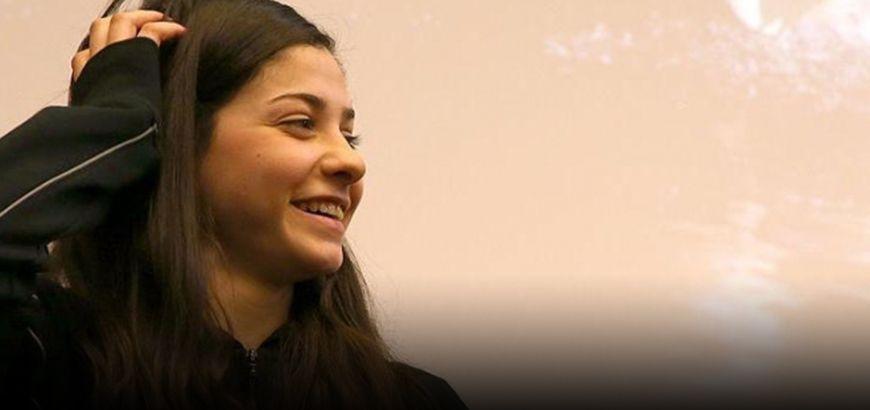 """السوريّة """"يسرى مارديني"""" أصغر سفيرة للنوايا الحسنة للأمم المتحدة"""