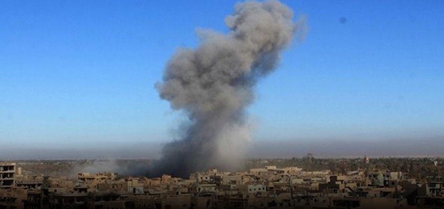 16 شهيداً معظمهم نازحون من العراق بقصفٍ جوي على البوكمال بريف دير الزور