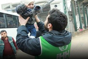 أكبر مركز أيتام في العالم يستقبل ألف طفل سوري حاملين ألف شجرة زيتون بتركيا